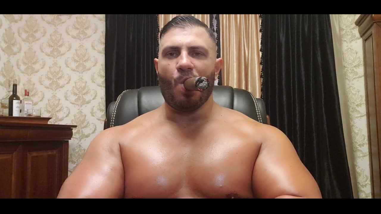 Smoking BIG fat Cigar and flexing my HUGE MUSCLE