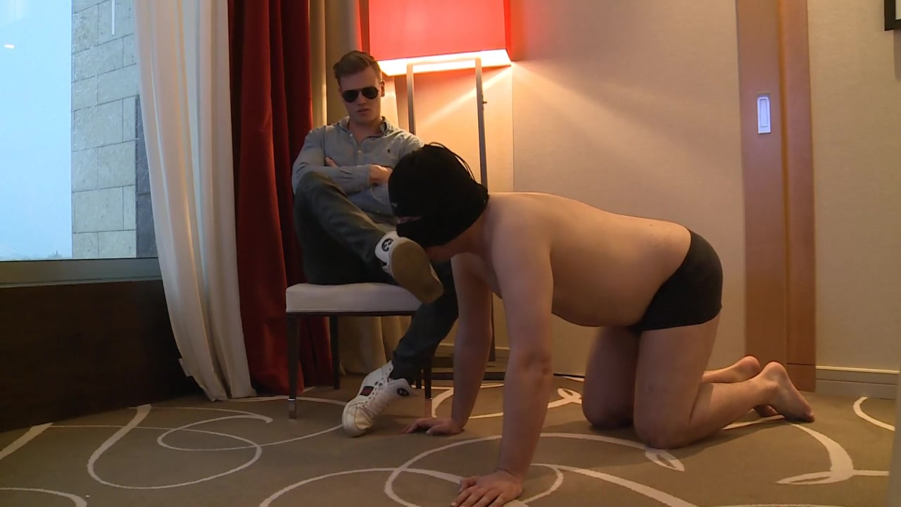 A little foretaste of what you little fags can expect from a true god like me-Kneel down to my feet!