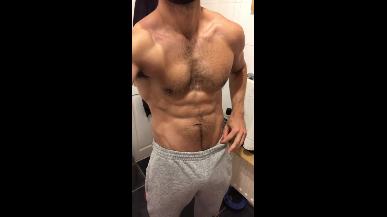 Briefs, bulge and joggers