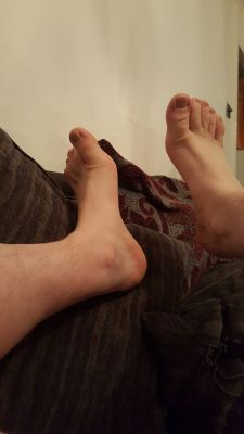 all u foot loving fags... get on these big boys tribute away fuckers