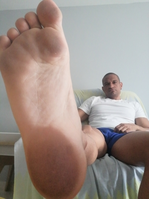 How muulch would you pay for the plleasure of cleanning my feet with you tongue