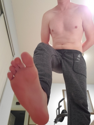 pathetic faggots love to pay for the privilege of licking the sweat off my feet
