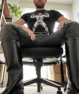 Newly fag-bought boots, ready for you to kneel FAGGOT
