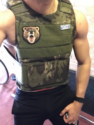 In Memorial Day, it is customary to workout wearing a 20 lbs weight vest as a tribute to those fallen in the line of duty. I like leading by example when demanding sacrifice, discipline and tributes from my subs.