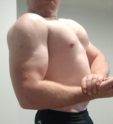 Hit delts and back but the chest was feeling too good to leave behind,