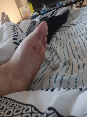 One of you feet loving sluts should clean my feet for me. Preferably with your tongues.